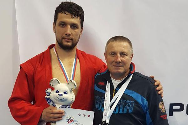 Президент России наградил Артема Осипенко и его тренера Сергея Портнова