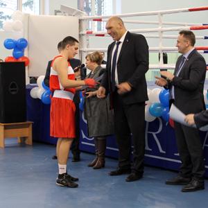 Николай Валуев передал олимпийский ринг спортивному центру «Триумф»